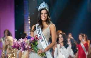 Paulina Vega, Miss Colombia 2014 is crowned the winner on stage at the conclusion of The 63rd Annual MISS UNIVERSE® Pageant, broadcast live from the FIU Arena in Doral-Miami, Florida on January 25, 2015 at 8:00 PM ET on NBC. HO/Miss Universe Organization L.P., LLLP